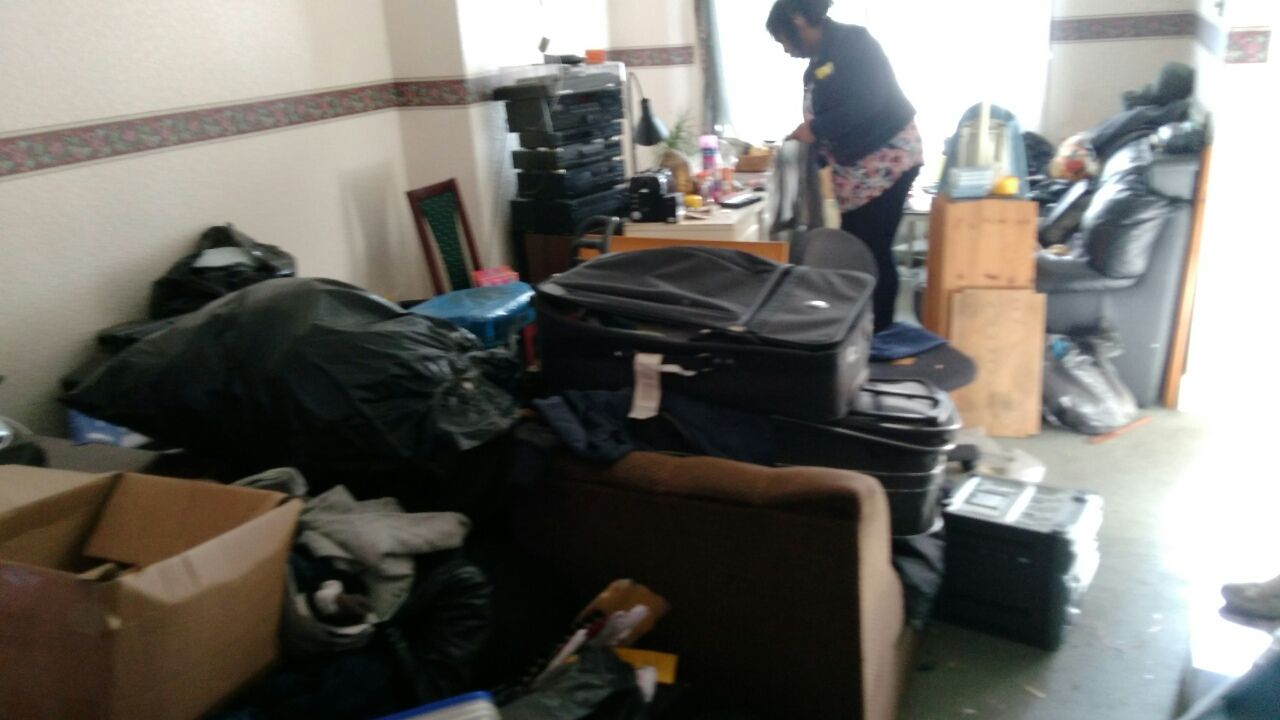 UB3 building junk removal Hayes
