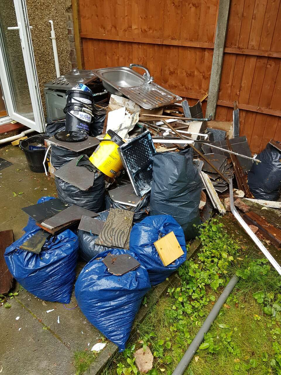 N22 flat waste clearance Bounds Green