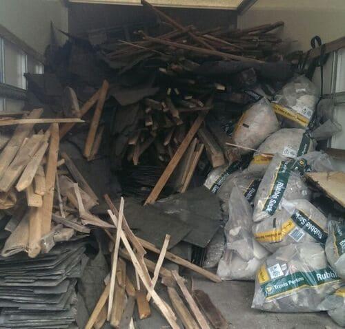 Blackfriars disposing waste EC4
