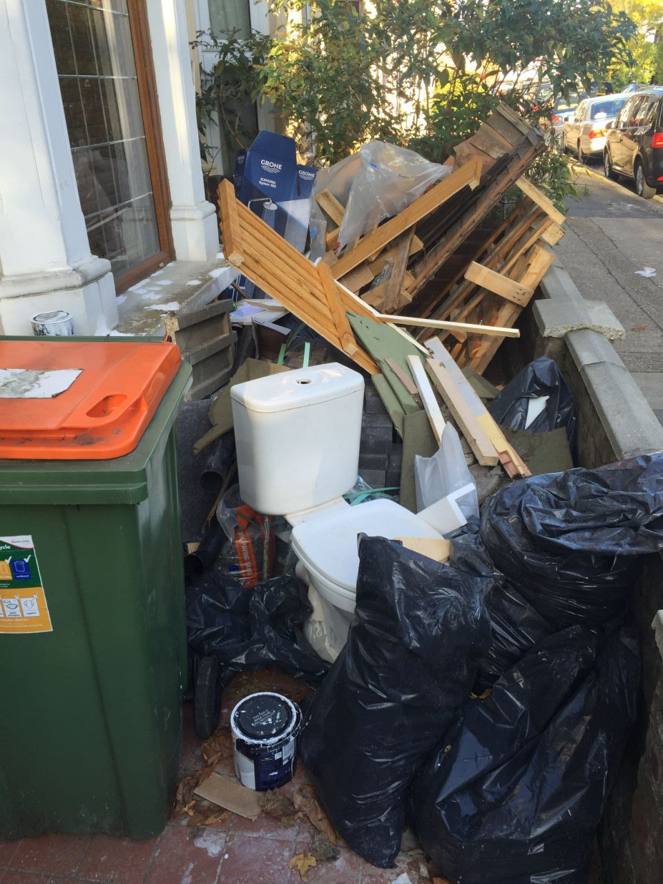 Grove Park disposing waste SE12
