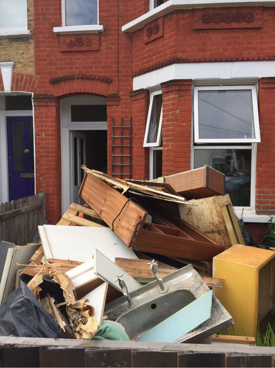 E14 waste clearance Blackwall